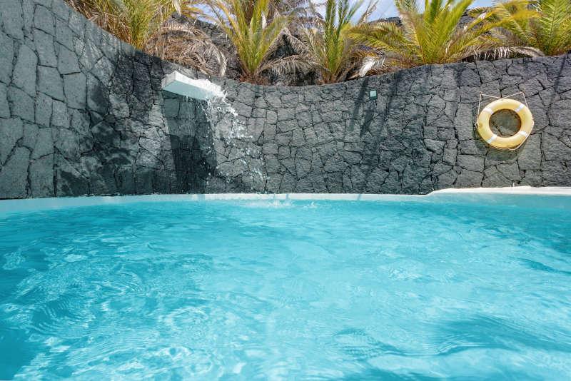 Villas blancas 2 alquilar lanzarote villas - Villas en lanzarote con piscina privada ...