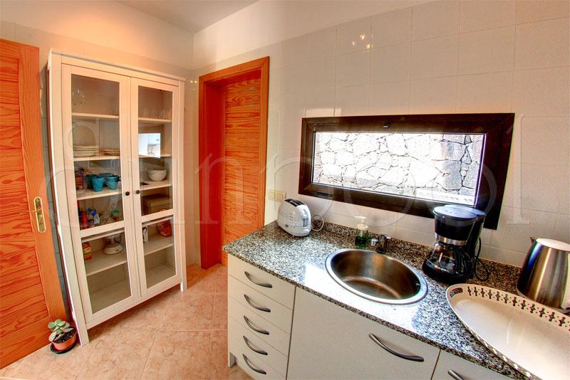 Villa sol villas en playa blanca lanzarote for Villas en lanzarote con piscina privada