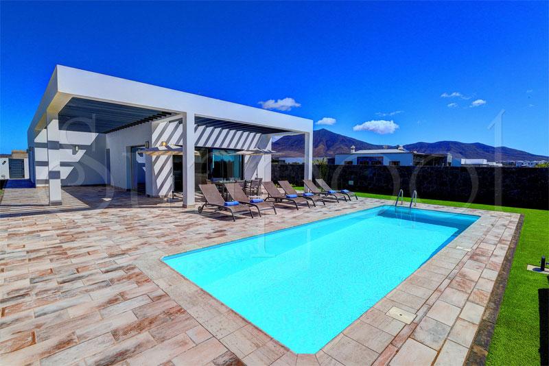 Villa dafne alquiler de villas en lanzarote - Villas en lanzarote con piscina privada ...