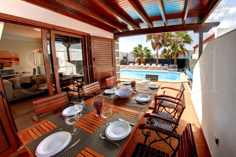 Villa agatha alquilar lanzarote villas - Villas en lanzarote con piscina privada ...